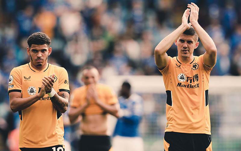 Soi kèo Nottingham Forest vs Wolves lúc 2h00 ngày 25/8/2021