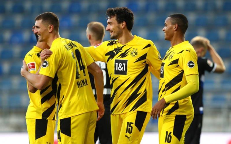 Soi kèo Wiesbaden vs Dortmund lúc 1h45 ngày 8/8/2021