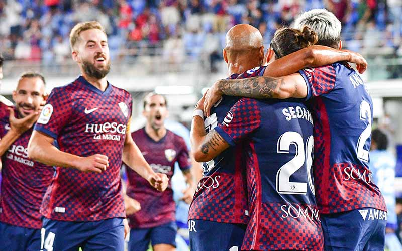 Soi kèo Huesca vs Oviedo lúc 2h00 ngày 7/9/2021